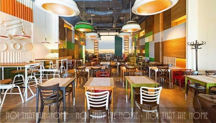 Thiết kế nội thất nhà hàng ăn nhanh với cách trang trí tường ấn tượng